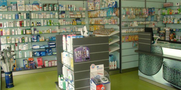 estanterias farmacia 5